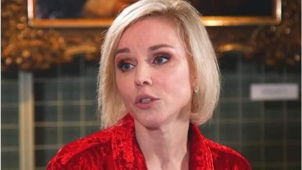 """Марина Зудина: """"У меня хорошо складываются отношения с молодыми партнерами"""""""