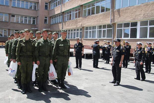 Шойгу поручил сократить сроки постановки на воинский учет в военкоматах