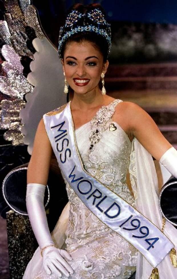 В 1994 году в южноафриканском городе Сан-Сити ее назвали самой красивой женщиной мира