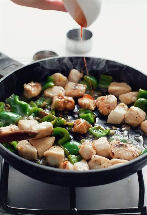 Лапша с курицей и перцем в кисло-сладком соусе Рецепт, Еда, Курица, Лапша, Длиннопост