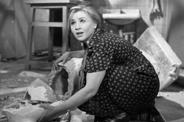 Екатерина Савинова в роли Фроси Бурлаковой, 1962   Фото: peoples.ru
