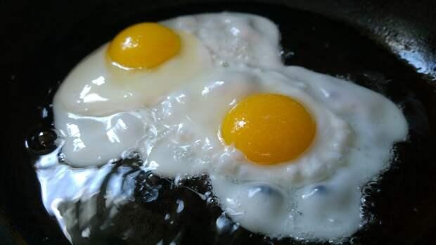 Шеф-повар назвал главную ошибку при приготовлении яичницы