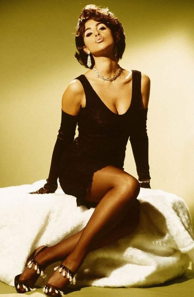Моника Беллуччи в образе Софи Лорен