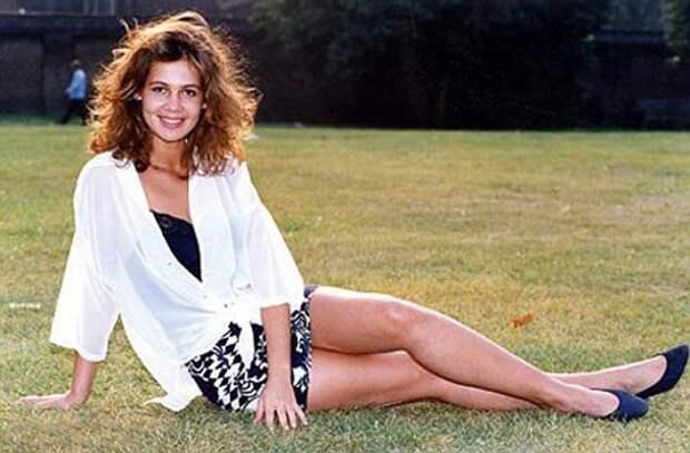Скандально известная красотка из 90-ых Юлия Лемигова
