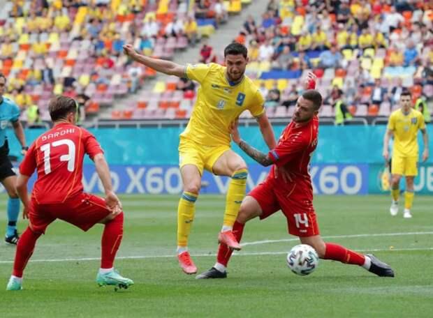 Два пенальти, отраженные голкиперами, и не засчитанный гол Пандева. Украина с перевесом в один мяч добилась победы над Северной Македонией