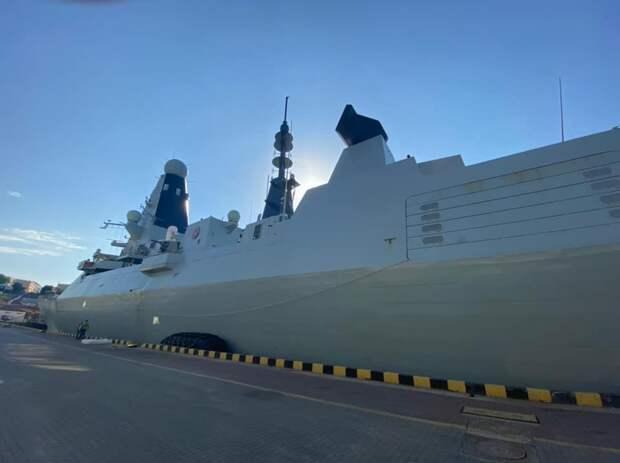 Путин назвал инцидент с британским эсминцем Defender в Чёрном море очевидной провокацией