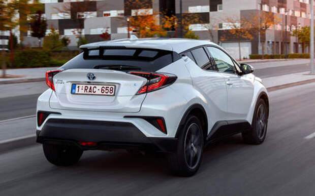Из-за халатности в России отзывают Toyota C-HR