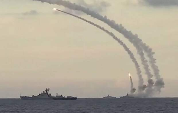 «Перехватывать просто нечем»: Украинский эксперт рассказал о российских «Кали...