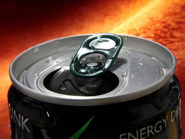 Медики рассказали о судьбе студента, выпивающего по банке энергетика ежедневно в течение двух лет