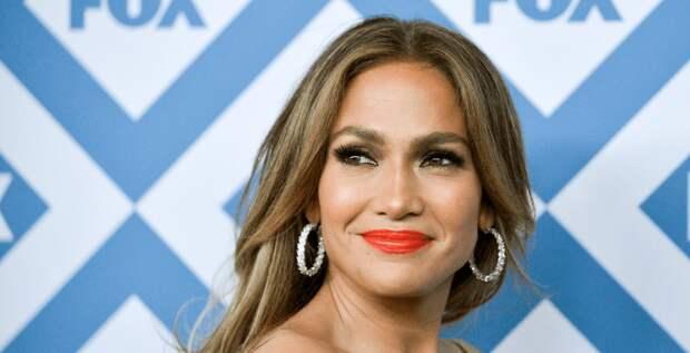 Дженнифер Лопес осудили за челлендж в «ТикТоке»
