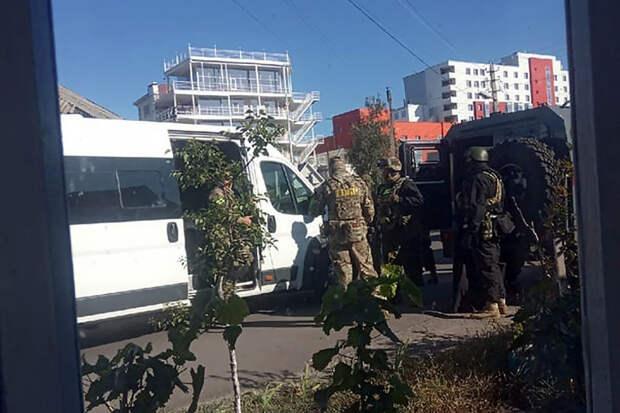 Перекрыто село с заминированным домом напавшего на отдел полиции