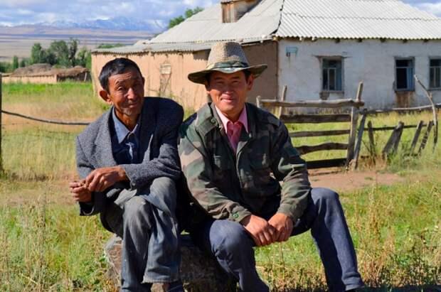 В Киргизии из зоны конфликта эвакуировали 33 тысячи граждан