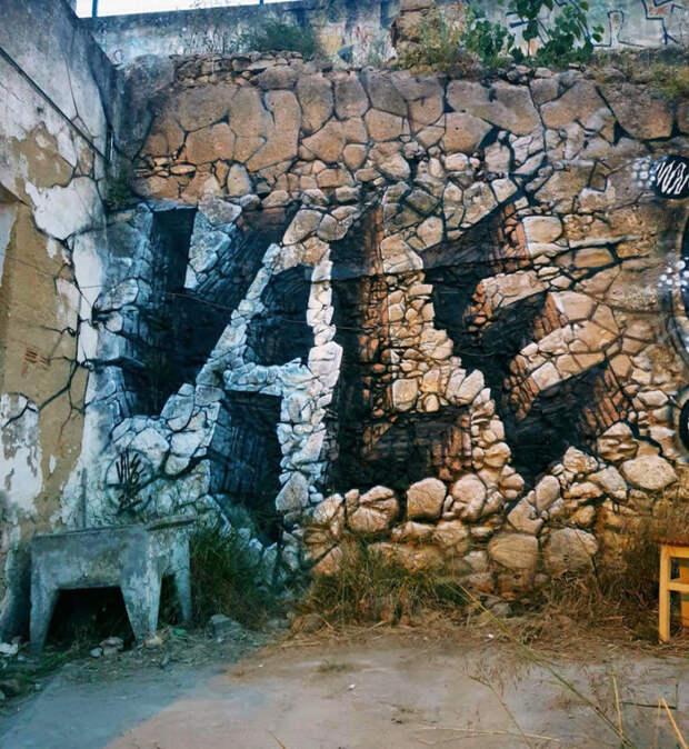 Художник делает стены прозрачными с помощью баллончика с краской