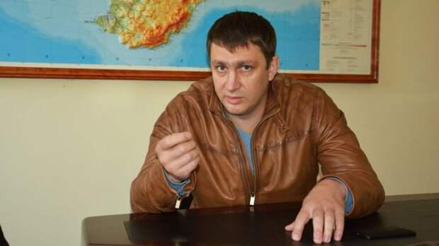 «Неучаствовал, но виноват»: засъемку пикета вКрыму арестован активист