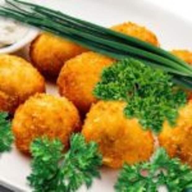 Сырные шарики во фритюре.