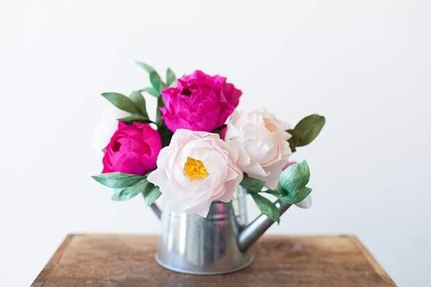 Изысканные цветы из гофрированной бумаги