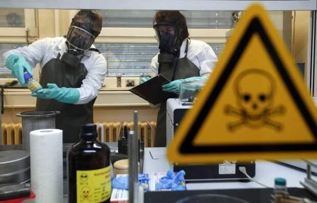 5 самых безумных теорий появления коронавируса
