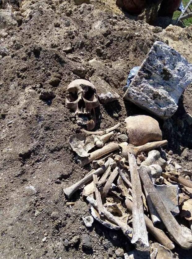 Газопровод провели через мусульманское кладбище в Крыму