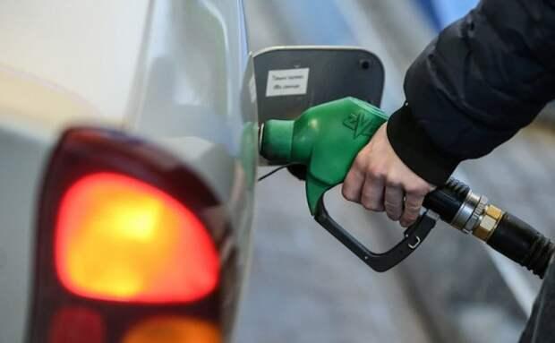 В России придумали, как остановить рост цен на топливо
