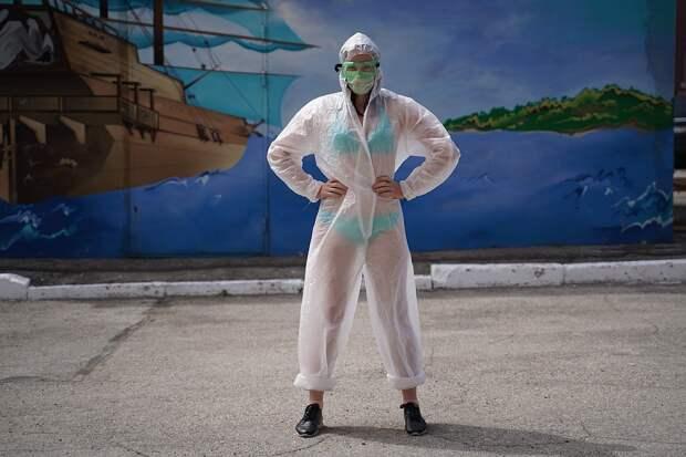Самарцы убедились, как сложно работать в таких костюмах