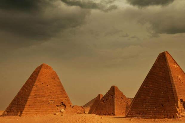 Под затерянным городом в пустыне нашли тайную комнату: манускриптам в ней 3000 лет и их не могут расшифровать