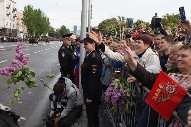 Как прошел Парад Победы в Донецке 2019: Вот это мощь! Вот это защита!