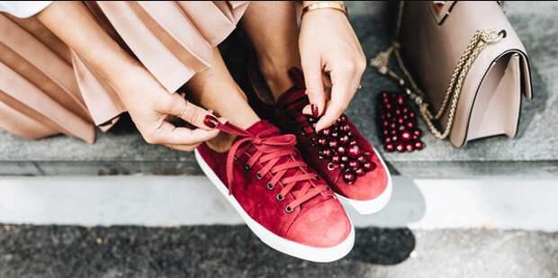 Топовые луки с кроссовками 2020-2021. Знакомимся с вариантами модных тандемов