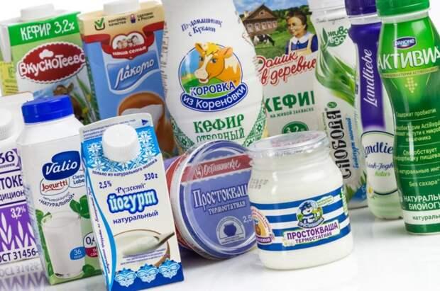 Натуральный йогурт и кефир обязательно должны быть в рационе / Фото: roscontrol.com