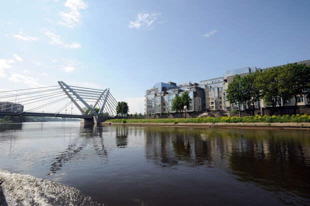 DSC 50961 Нефасадный Петербург: вид с воды