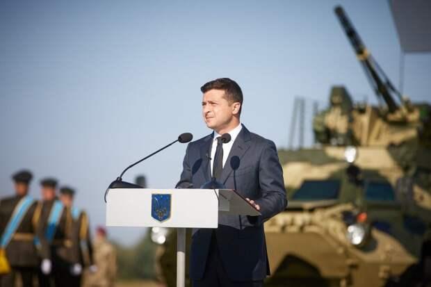 Зеленский пообещал масштабный парад после «возвращения» Крыма и Донбасса