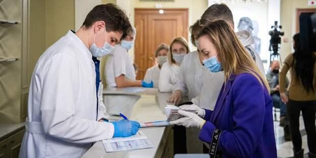В поликлинику на Декабристов поступила вакцина от коронавируса