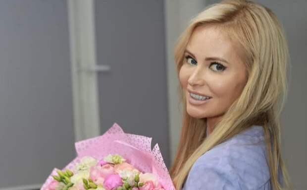 Дана Борисова задумалась о липосакции живота и талии