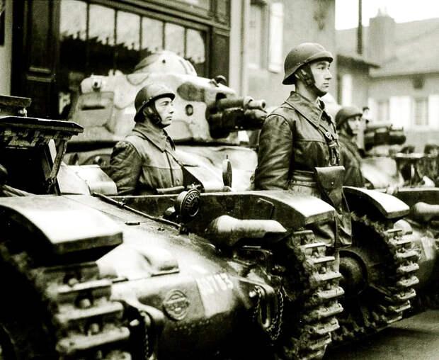 Французская армия была предана в 1940 году своими правящими кругами и бездарным военным руководством