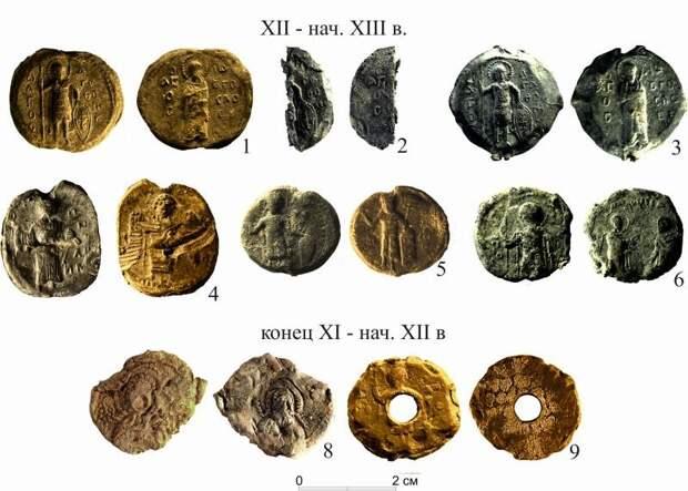 Византийские торговые пломбы XII века найдены при раскопках в Новгороде