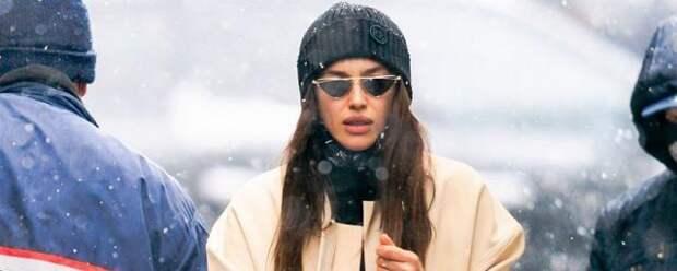 Ирина Шейк во время прогулки украла дочь одеялом с «Машей и Медведем»