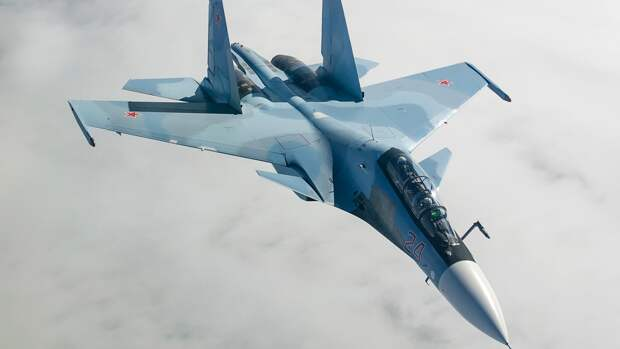 Реакция крымчанки на российские истребители Су-30 в небе удивила украинцев