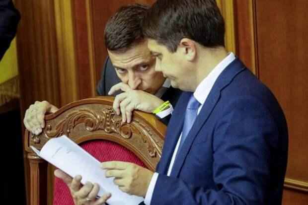 Все наготове: выборы могут закончиться отставкой Зеленского – эксперт