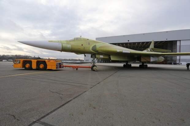 Бомбардировщик Ту-160 выполнил новый полет после модернизации