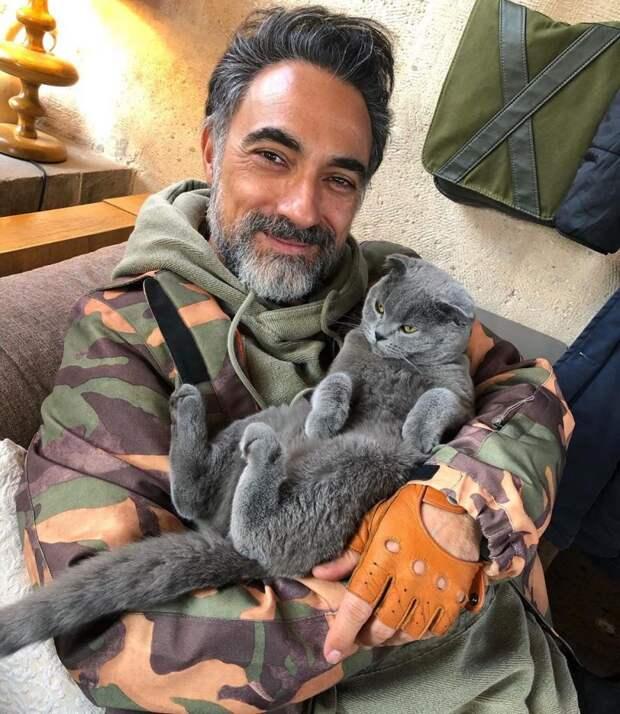 Настоящий Сюмбюль-ага: как в реальной жизни выглядит актёр Селим Байрактар