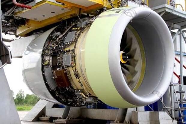 Двигатель ПД-14 во время стендовых испытаний