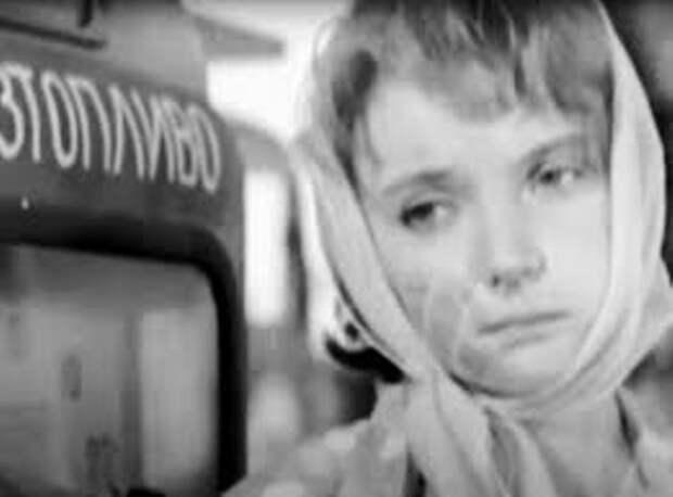 Терье Луйк на съемках фильма *Королева бензоколонки* | Фото: zen.yandex.ru