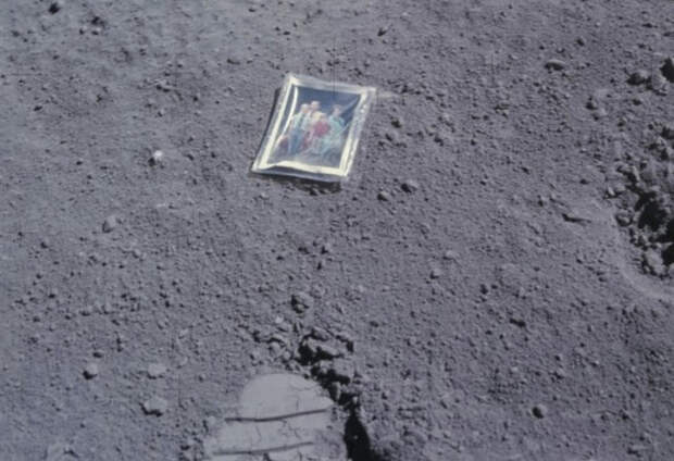 10 вещей, которые космонавты уже умудрились потерять в космосе