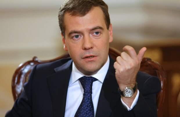 Медведев рассказал, в каком случае Рунет отсоединится от Всемирной сети