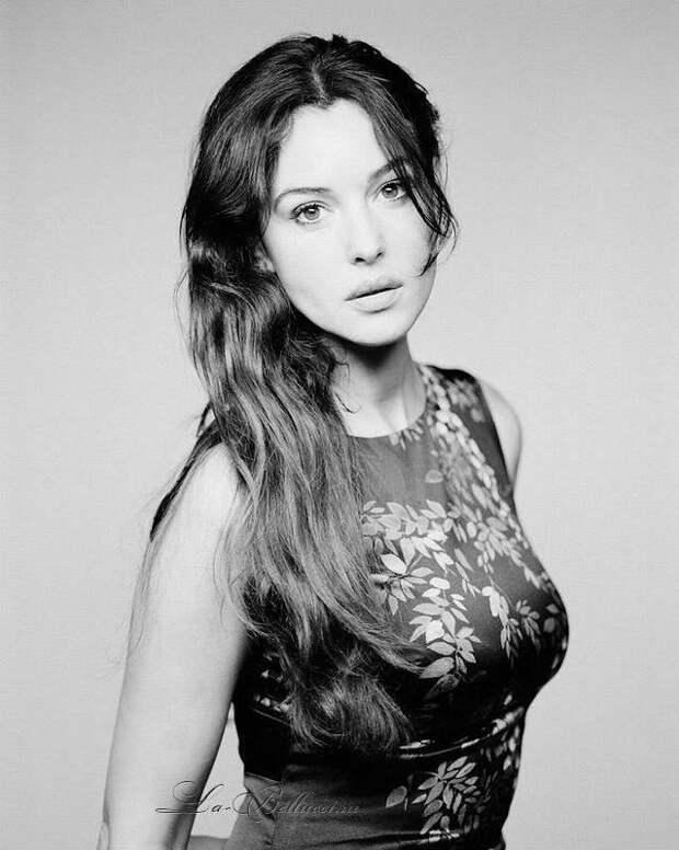 Фотографии Моники Беллучи, начиная с 1977 года, когда ей было всего 13 лет, вплоть до 2018-го года