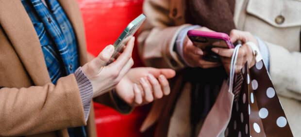 Война за место в смартфоне: у маркетплейсов возник конфликт из-за закона о предустановке приложений
