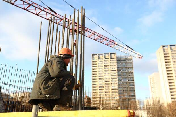 На Волгоградском проспекте началось строительство дома по реновации