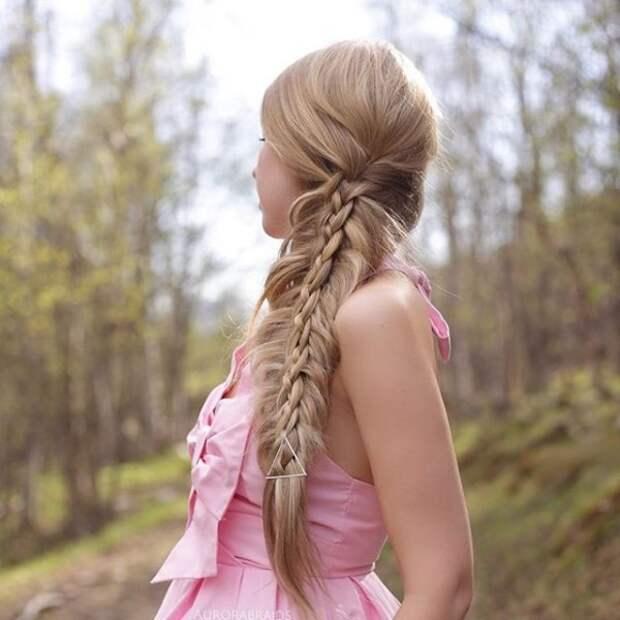 11.  косы, сестры