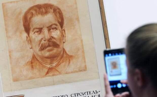 В поисках Бога. Почему в России вновь популярен Сталин