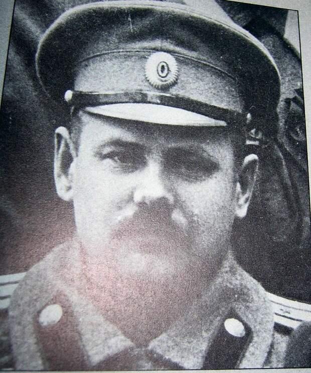 800px-Mihail_Svetshnikov