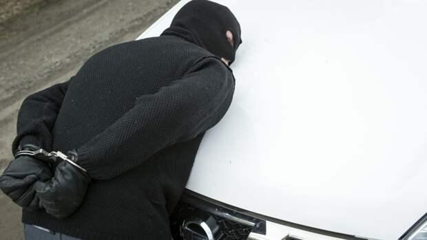 Пятерых преступников посадили за продажу ворованных патронов в Приморье